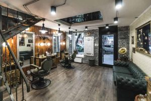 gengszter tematikájú barber shop